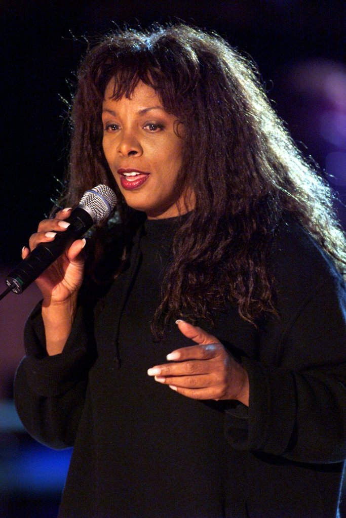 Donna Summer rehearses during a Divas 2000 Tribute to Diana Ross at Madison Square Garden in New York City.
