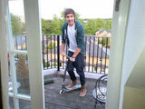 Liam Payne found his old Razor scooter and felt like a kid again. Source: Twitter User Real_Liam_Payne