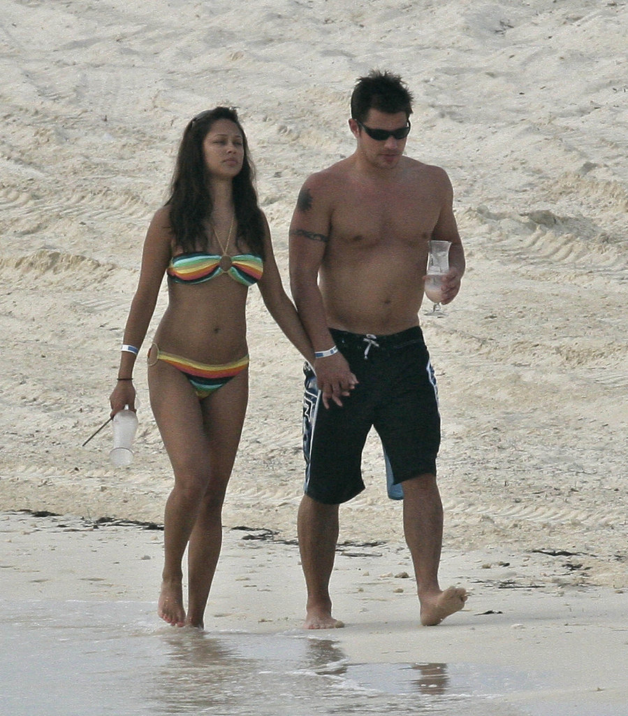 Nick and Vanessa Lachey vacationed in the Bahamas in May 2007.