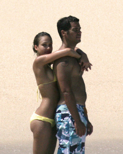 Jessica Alba and Cash Warren got close on the beach during an August 2005 vacation in Cabo San Lucas, Mexico.