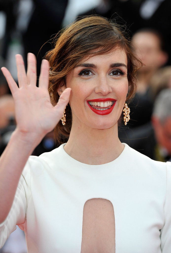 Paz Vega waved to the fans at the premiere of Madagascar 3: Europe's Most Wanted.