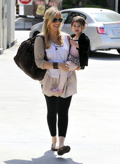 Sarah Michelle Gellar hit the pavement with Charlotte Prinze.
