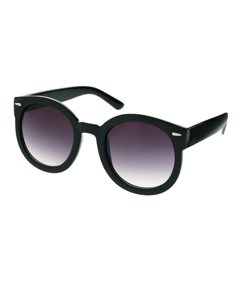 This slightly oversize shape and classic frame silhouette will flatter just about every face shape.  Asos Oversized Retro Sunglasses ($21)