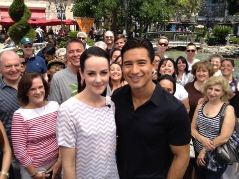 Mario Lopez interviewed Jena Malone for Extra. Source: Twitter user MarioLopezExtra