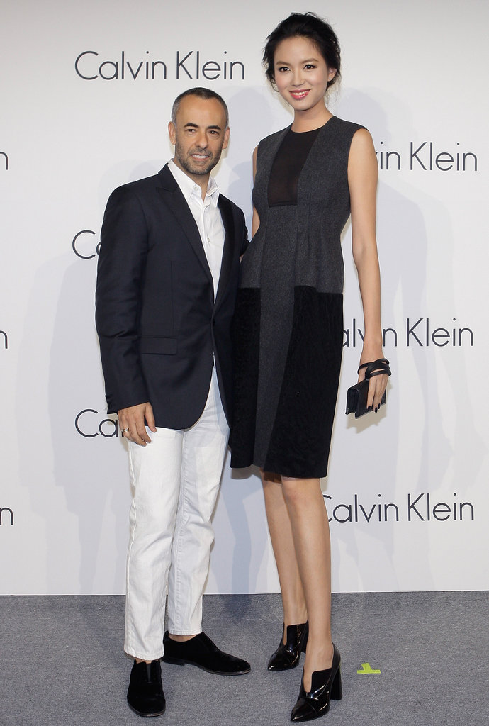 Francisco Costa posed with model Zhang Zilin at the event.