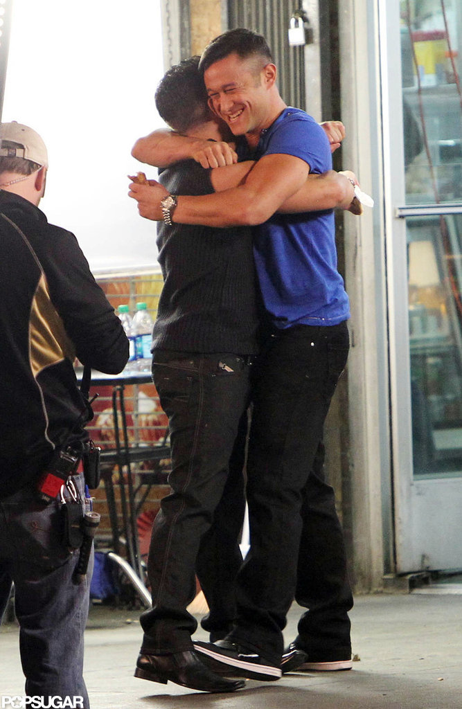 Joseph Gordon-Levitt gave a hug on the set of his next film in Hollywood.