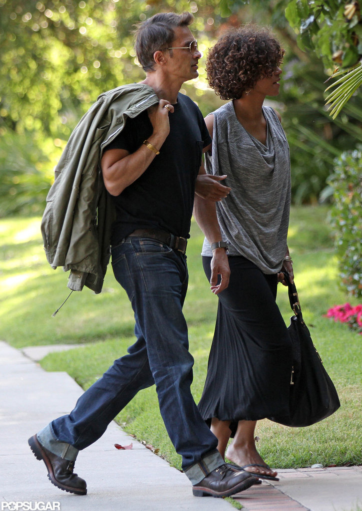 Halle Berry and Olivier Martinez looked cute as they walked together in LA.