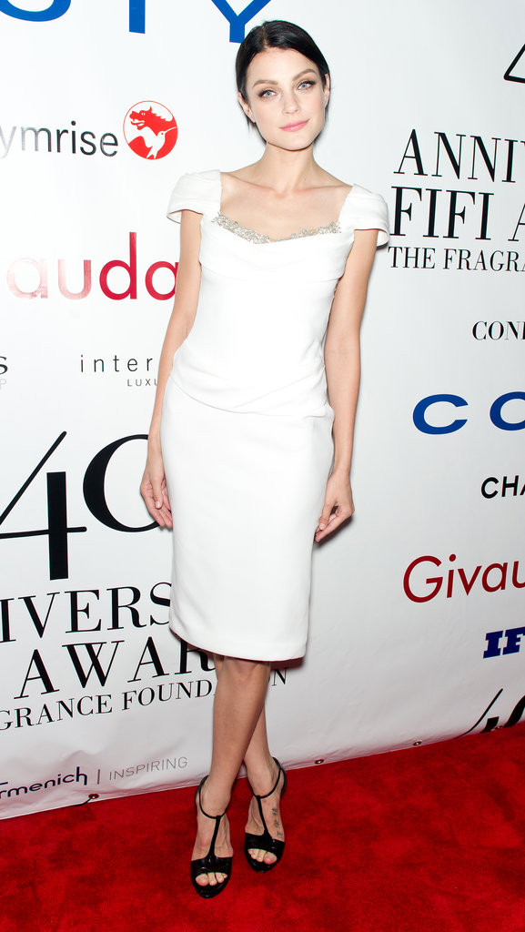 Jessica Stam stepped out in a chic, formfitting Marchesa sheath.