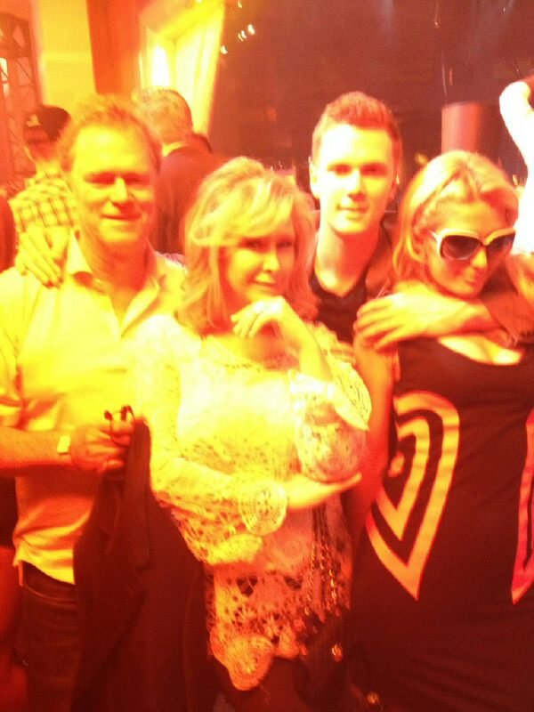 Paris Hilton partied in Vegas with her parents and younger brother, Baron.  Source: Twitter user ParisHilton