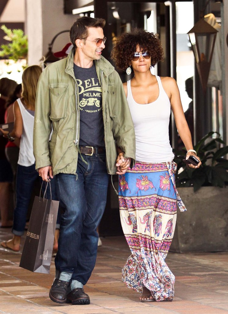 Halle Berry and Olivier Martinez looked cute together as they hung out in Malibu.