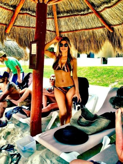 Fergie wore her bikini while in Cancun.