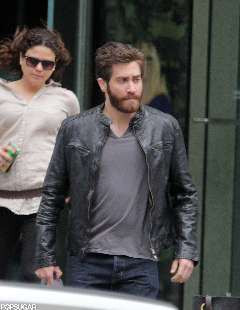 Jake Gyllenhaal looked like a stud in a black leather jacket.