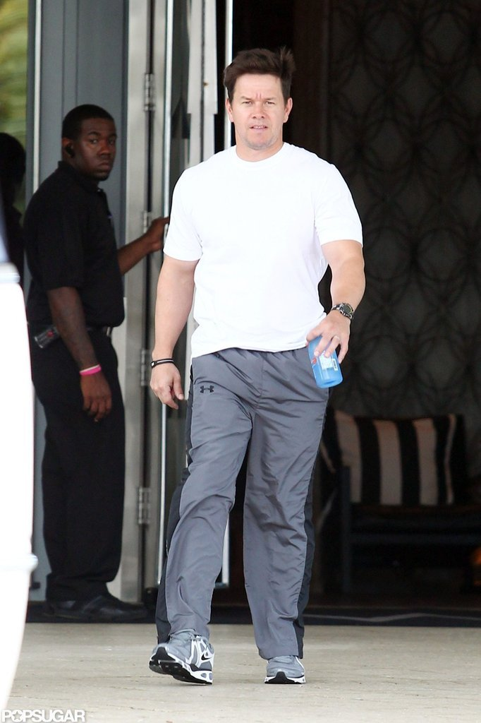 Mark Wahlberg left his hotel in Miami.