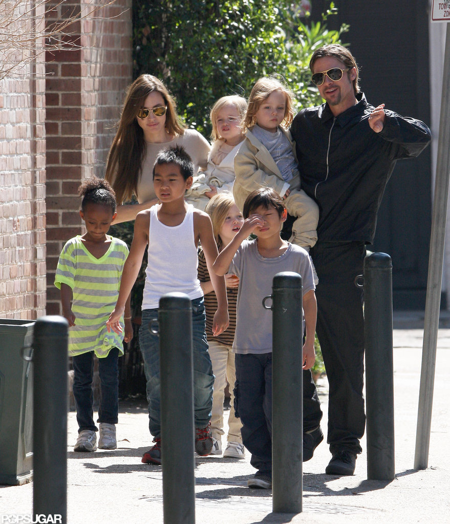 Angelina Jolie and Brad Pitt strolled around New Orleans together with kids Maddox, Pax, Shiloh, Zahara, Vivienne, and Knox in March 2011.