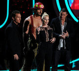 Elizabeth Banks had fun on stage with the boys of Magic Mike.