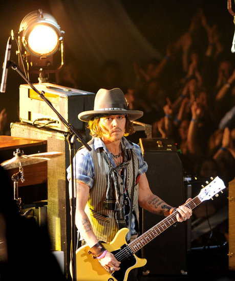 Johnny Depp Rocks Out to Accept a Big Honor Before His Daughter