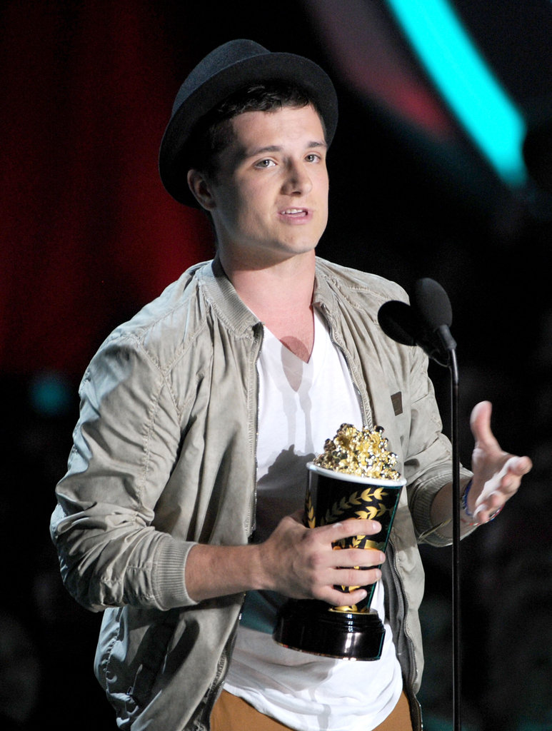 Josh Hutcherson wore a fedora to the MTV Movie Awards.