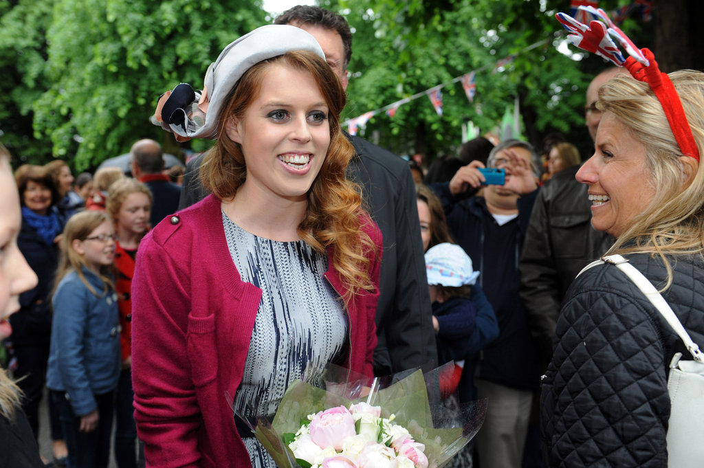 Princess Beatrice held flowers during the Big Jubilee Lunch.