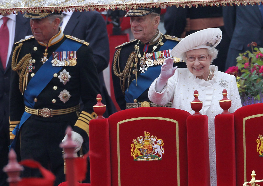 The queen waved aboard the Spirit of Chartwell.