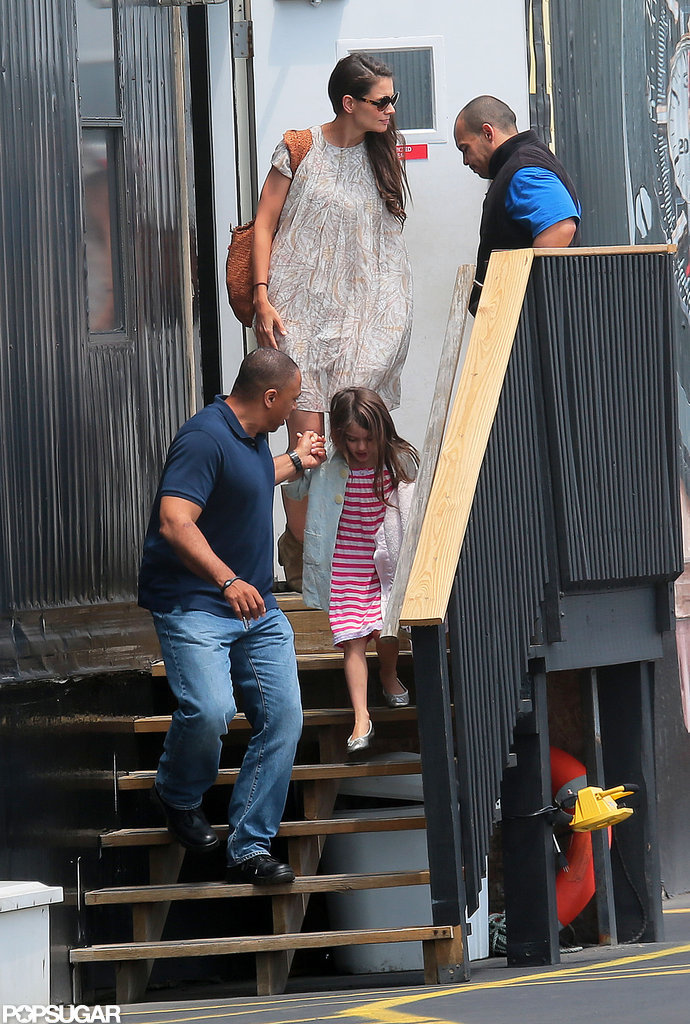 Katie Holmes and Suri Cruise caught a helicopter out of NYC.