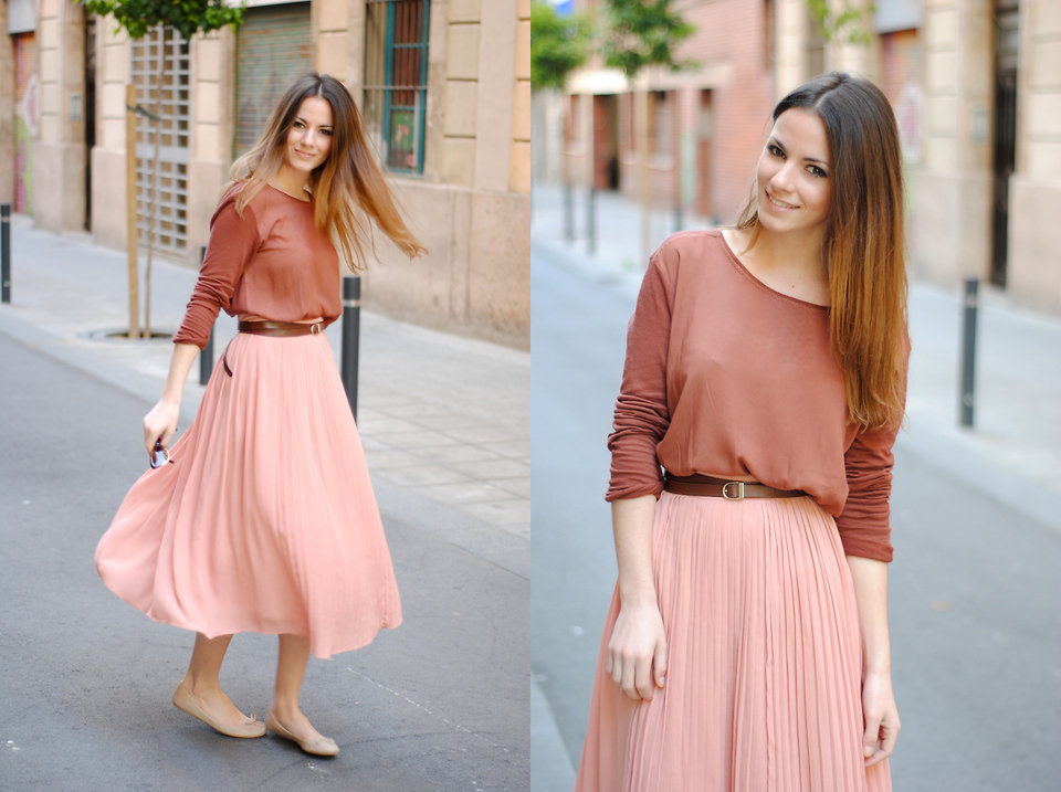 Keep it simple with ballerina flats and a pleated skirt. You really can't go wrong with this girlie ensemble. Photo courtesy of Lookbook.nu