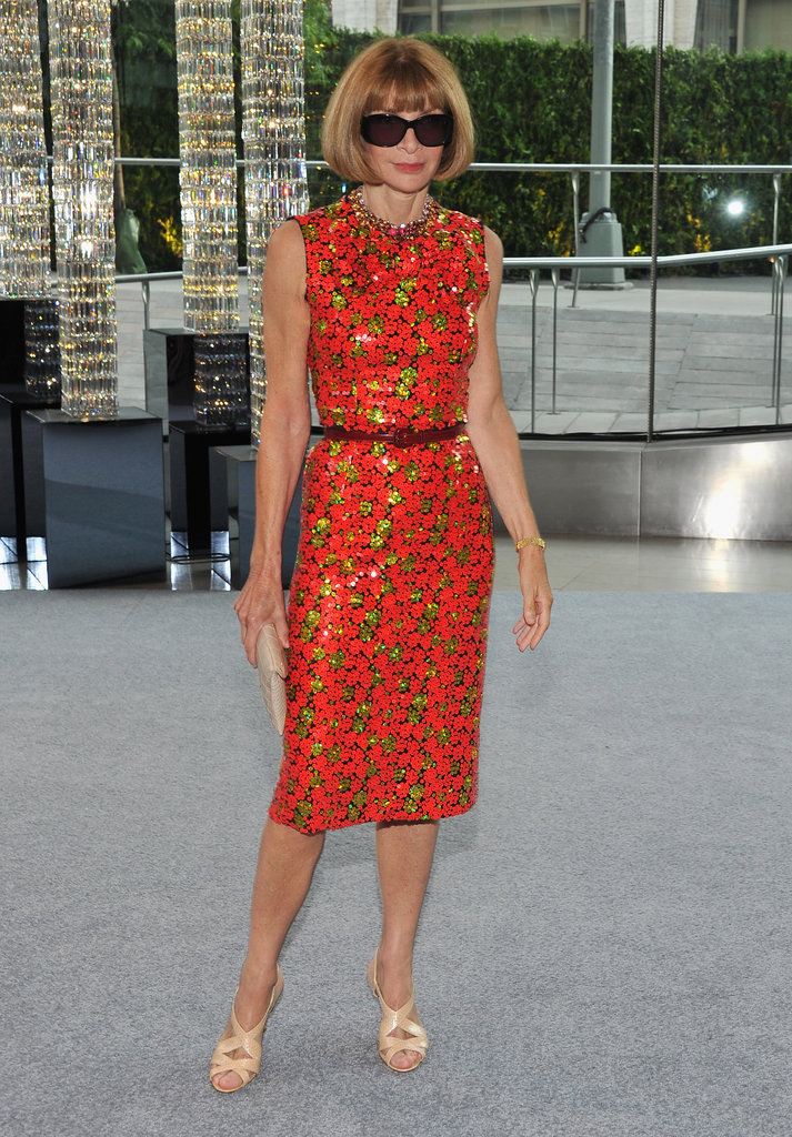 Anna Wintour arrived in her usual fashion, wearing oversized sunglasses and a knee-length dress from the Marc Jacobs Resort 2013 collection.