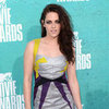 Kristen Stewart Pictures in Metallic Guishem Dress at 2012 MTV Movie Awards