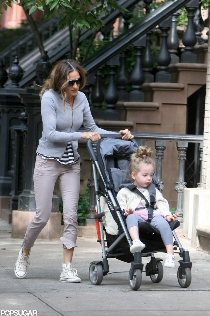 Sarah Jessica Parker pushed Loretta in a stroller through NYC.