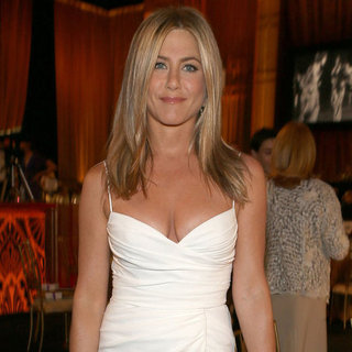 See Jennifer Aniston In Her Sexy White Dress From All Angles At The AFI Gala