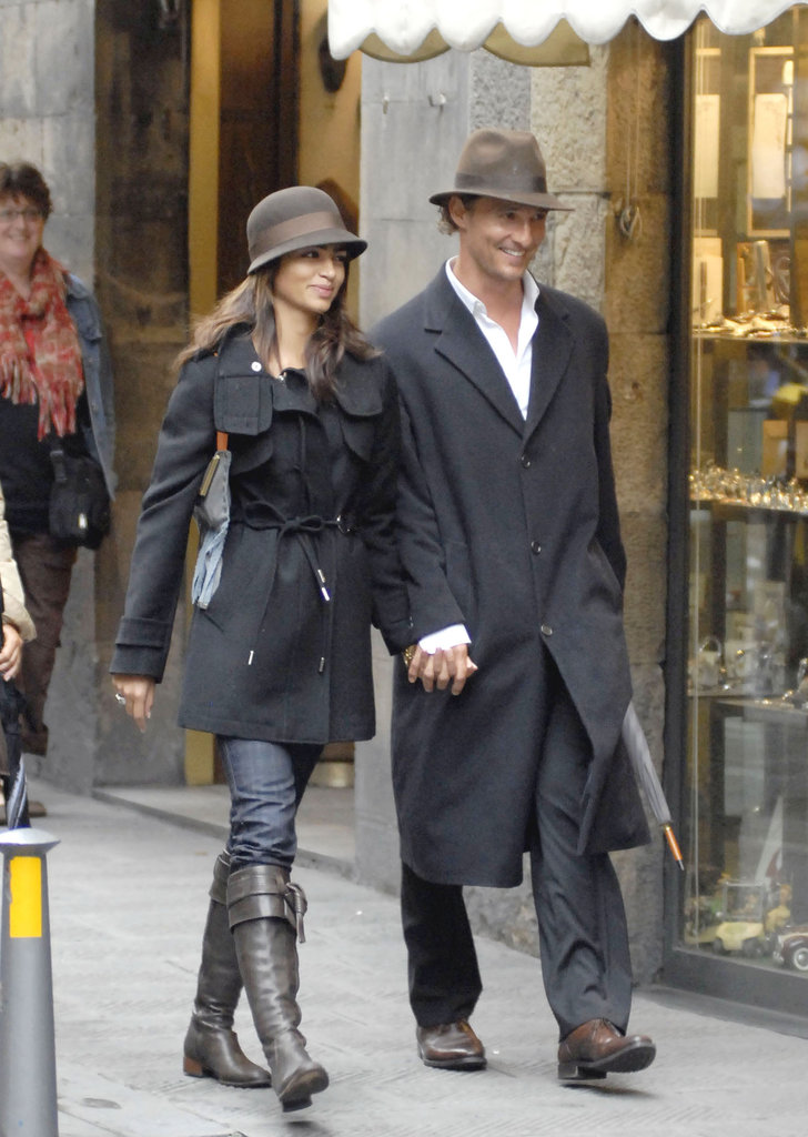 Camila Alves and Matthew McConaughey toured Italy together in August 2007.