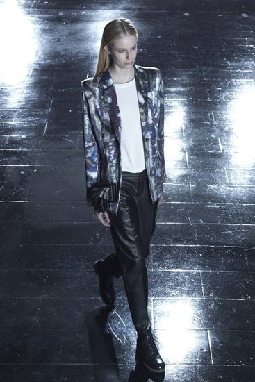 Theyskens&#039; Theory Resort 2013