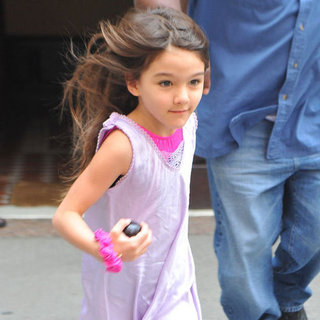 Suri and Tom Cruise in NYC Pictures