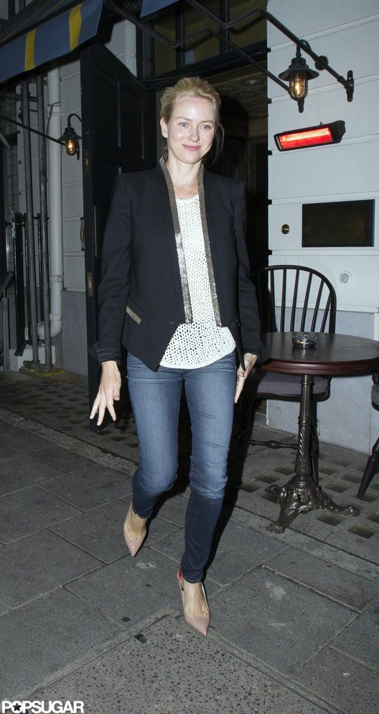 Naomi Watts looks cute in skinny jeans and heels.