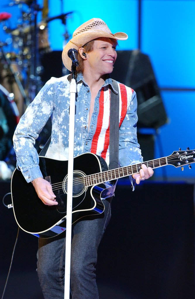 Jon Bon Jovi took the stage in NYC wearing red, white, and blue in October 2001.