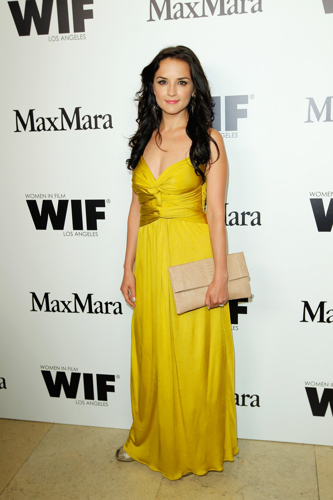 Rachael Leigh Cook rocked a hot yellow dress.