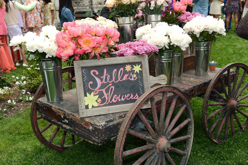 We heart Stella's gorgeous flowers.