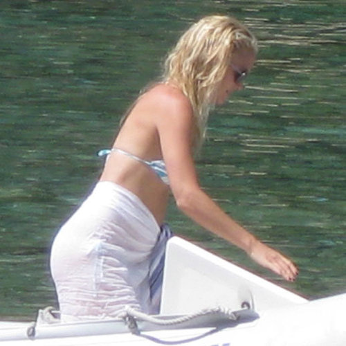 Kate Hudson Bikini in Greece Pictures