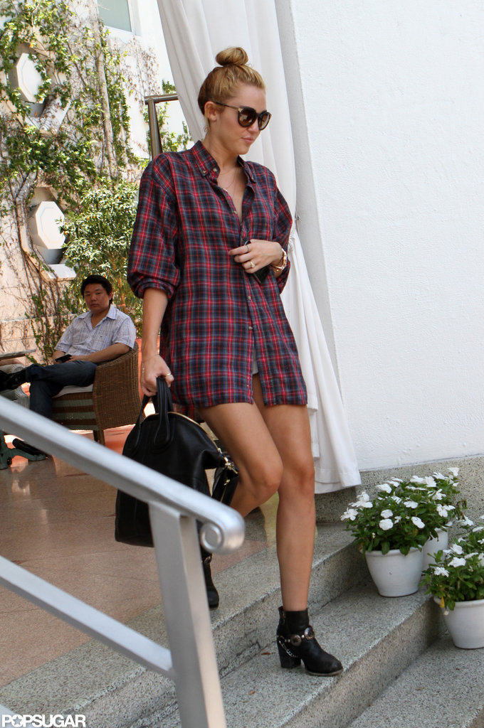 Miley Cyrus left her Miami hotel.