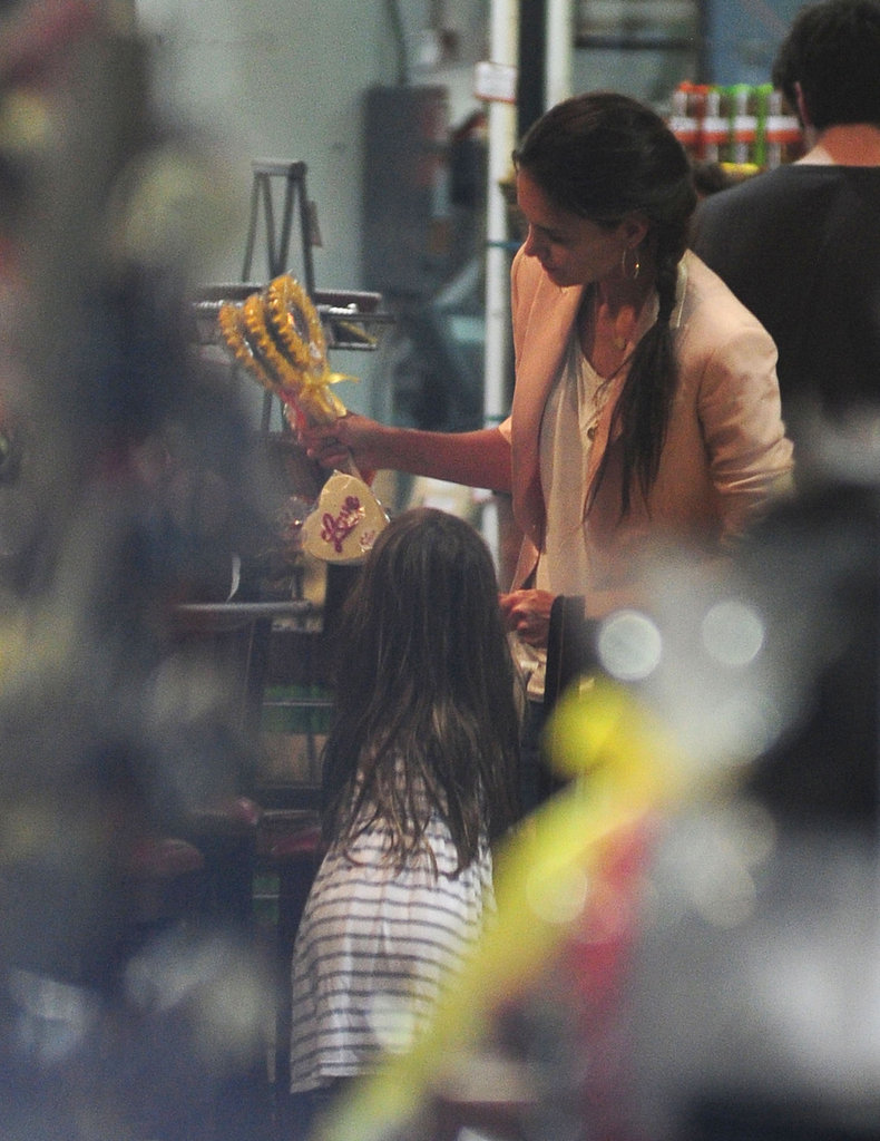Katie Holmes and Suri Cruise browsed Jacques Torres chocolate shop.