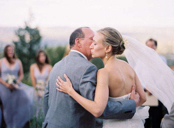 "Dad and daughter gave each other a cute peck on the cheek before she said her ""I dos."" Photo by Tec Petaja Photography Inc. via Style Me Pretty"