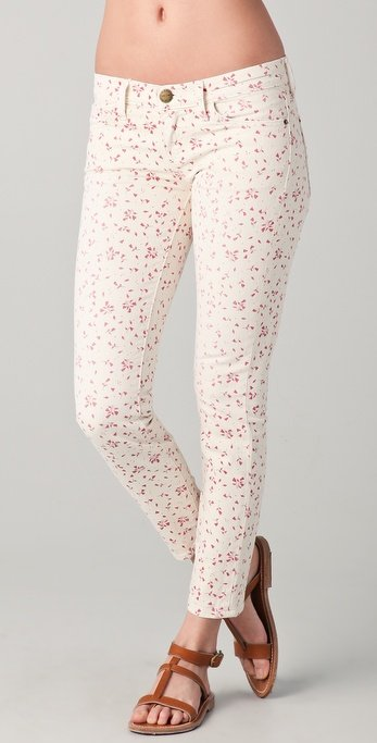 Have you been longing to get your hands on a pair of Current/Elliott's supercool floral jeans? Look no further than this pretty pink and cream rendition. Current/Elliott Floral Stiletto Jeans ($139, originally $198)