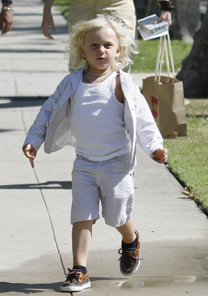 Zuma Rossdale skipped ahead of his parents, Gavin Rossdale and Gwen Stefani, on their way to Gwen's parents' home for Father's Day.