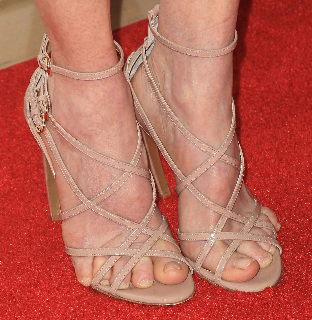 Julianne Moore added a subtly sexy touch to her look via strappy Walter Steiger sandals in leg-lengthening nude.