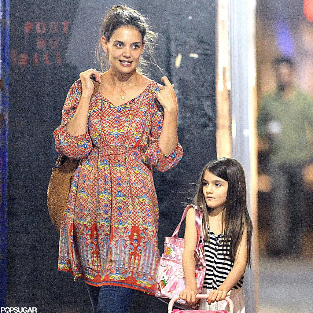 Katie Holmes and Suri Cruise walked around their NYC neighborhood.