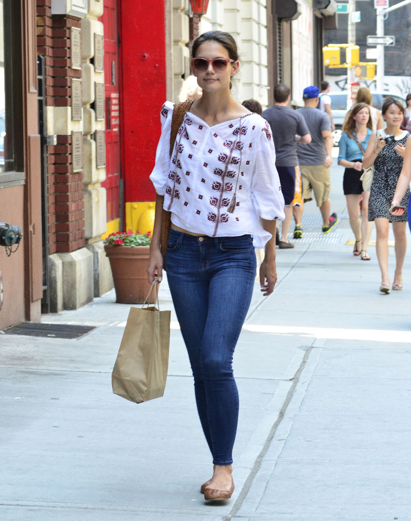 Katie Holmes picked up groceries in NYC.