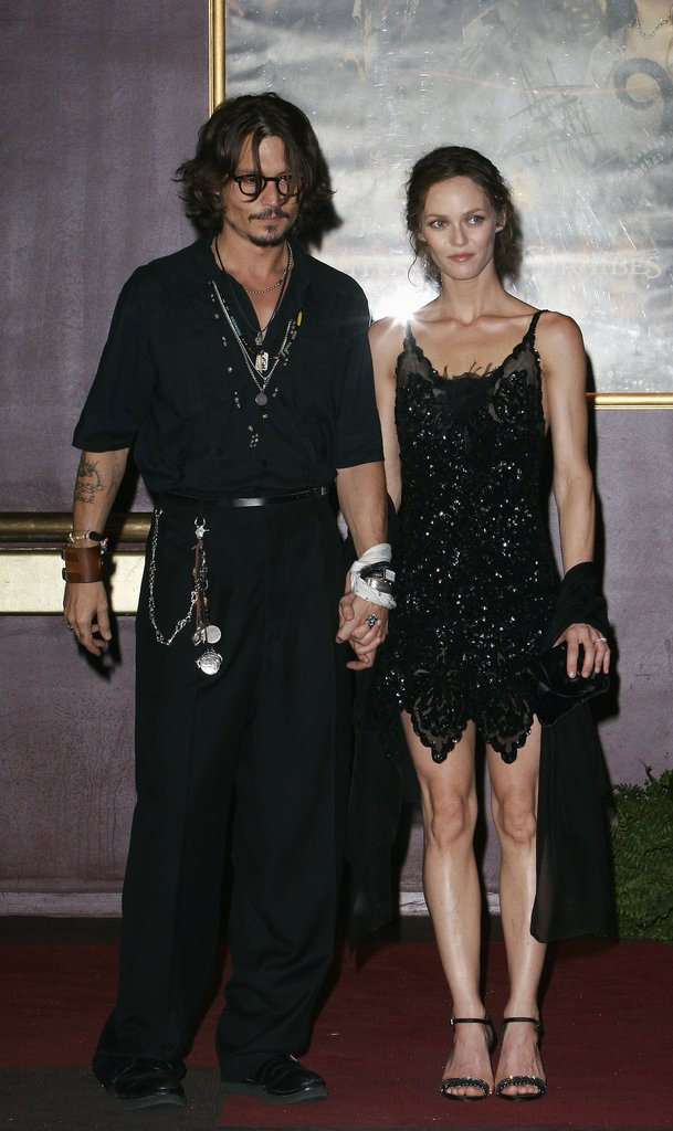 Johnny and Vanessa held hands at the Paris premiere of Pirates of the Caribbean: Dead Man's Chest in Jul. 2006.