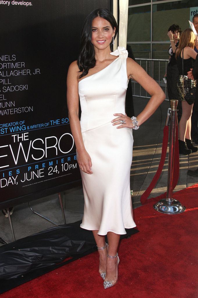 Olivia Munn worked the white dress angle at The Newsroom premiere in Armani.