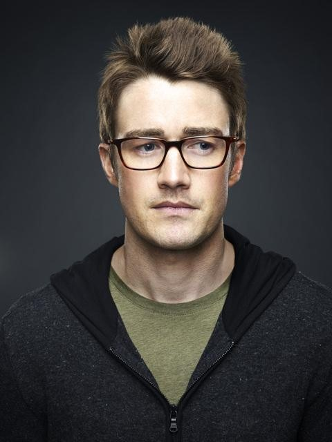 Robert Buckley from 666 Park Avenue.