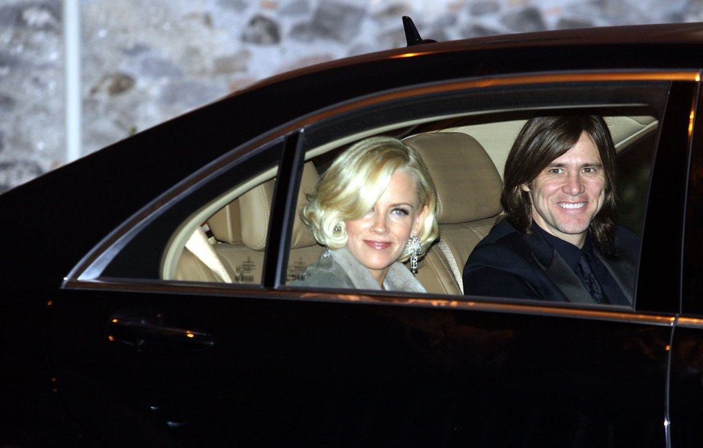 Jenny McCarthy and then boyfriend Jim Carrey attended.