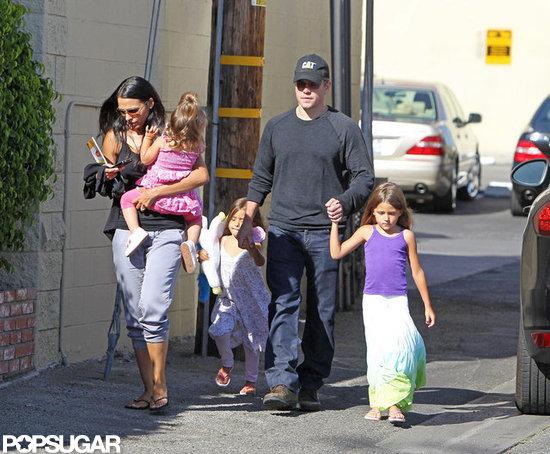 Мэтт Дэймон с дочерьми